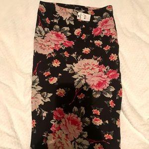 🌸 Express Bodycon Floral Skirt 🌸